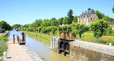 Chatillon-en-Bazois lock station