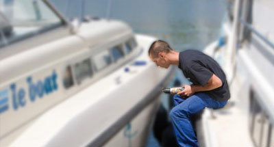 Le Boat mechanic