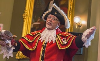 Town Crier in Kingston, Ontario, Town hall